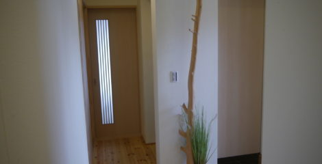 空間をデザインした玄関イメージ2