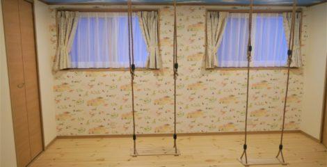 ブランコin子供部屋