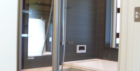 透明なバスルーム