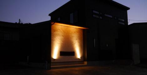 漆黒に光る家イメージ0